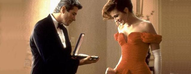 לונג ג'ון חוזרת לסרט שהגדיר את הקומדיה הרומנטית, את ג'וליה רוברטס ואת הכללים לנשיקות על הפה