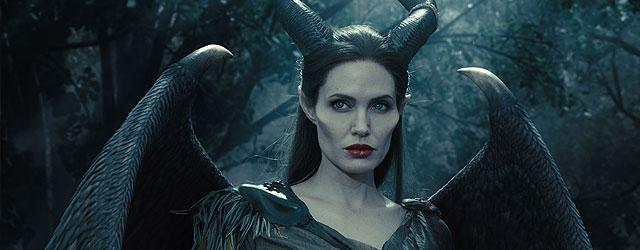 אנג'לינה ג'ולי מושלמת בתור המכשפה הרעה מהאגדות. רק שהיא כבר לא רעה