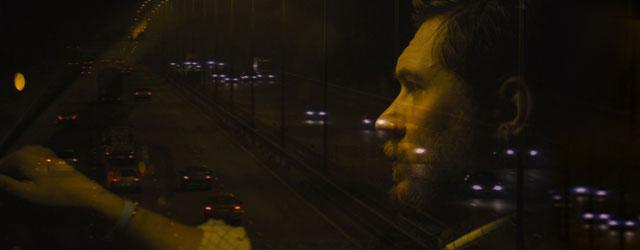 שעה וחצי עם טום הארדי, יושב בכיסא הנהג של מכונית ומדבר בדיבורית. וזה מרתק