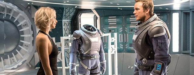 כריס פראט וג'ניפר לורנס בחלל!