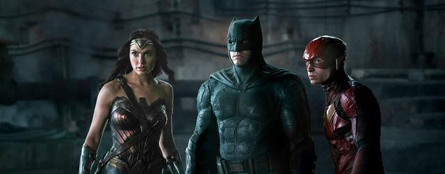 """""""ליגת הצדק"""" מציג את גיבורי העל של די.סי. כגיבורים שמאמינים בבני האדם ובכך שכדאי להגן עליהם. איזה שינוי מרענן."""