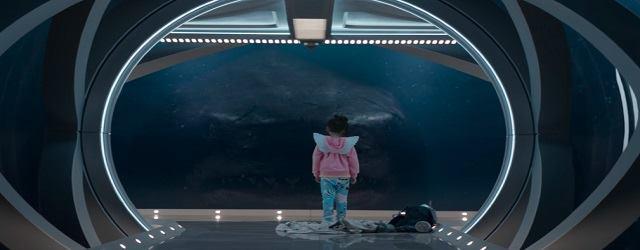 ג'ייסון סטיית'האם בא להציל את הקיץ הקולנועי ממחסור בסרטים שבהם הוא לא מרביץ לכרישים.