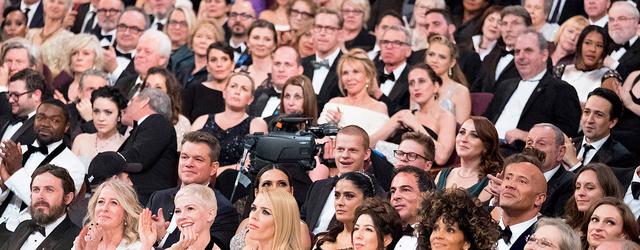 """האם """"ספיידרמן: ממד העכביש"""" הביס את גלן קלוז בקטגורית הצילום? האם רמי מאלק זכה בפרס הבימוי? לא. אבל הנה רשימת האנשים שכן זכו."""