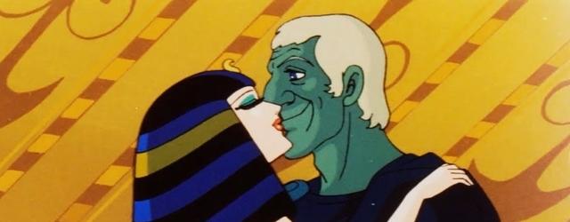 כן, זאת קליאופטרה שמנשקת יוליוס קיסר ירוק ולא, זה לא הדבר הכי מוזר בסרט הזה.