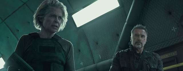 העלילה פחות מטומטמת, האקשן פנטסטי,  והסרט יודע בדיוק מתי להסתיים: יש סיבות טובות לראות את 'גורל אפל'.