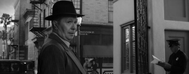 פינצ'ר חוזר לחיינו כדי להוכיח שאין במאי שנטפליקס לא יכולה לשלם לו מספיק כסף כדי להוציא סרט בינוני.